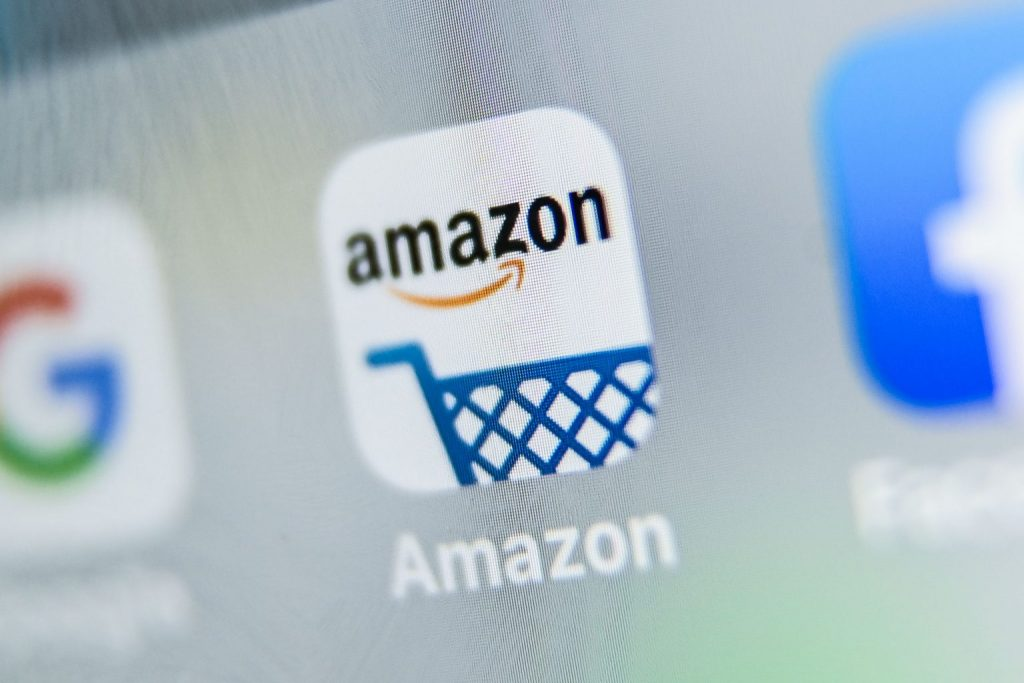e-commerce platforms Amazon show extreme growth in revenue